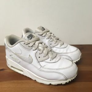 timeless design 2fa9c 624ce Nike Air Max Youth All White